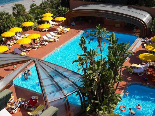 Hotel Caparena - Taormina - Pool
