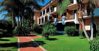 Hotel Caparena - Taormina - Edificio