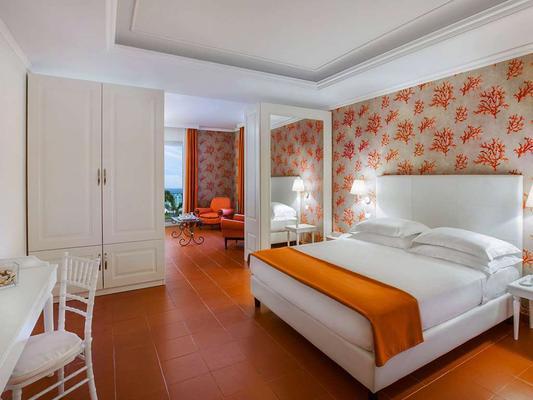 Hotel Caparena - Taormina - Bedroom