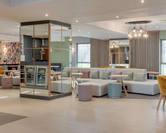 Hampton by Hilton Corby/Kettering - Corby - Лаунж