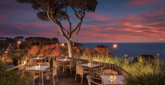 Pine Cliffs Hotel, a Luxury Collection Resort, Algarve - אלבופרה - מסעדה