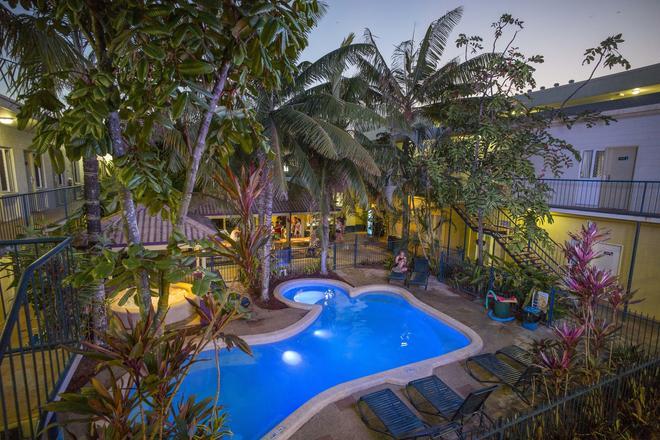 Cairns Central Yha - Hostel - Cairns - Piscina