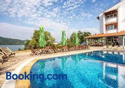 Family Hotel St. Konstantin - Kardzhali - Pool
