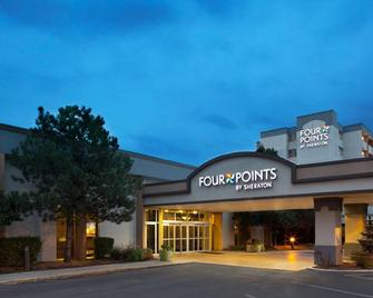 Four Points by Sheraton Chicago O'Hare Airport - Schiller Park - Gebouw