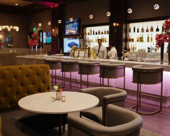 Arden Hills - Sacramento - Bar