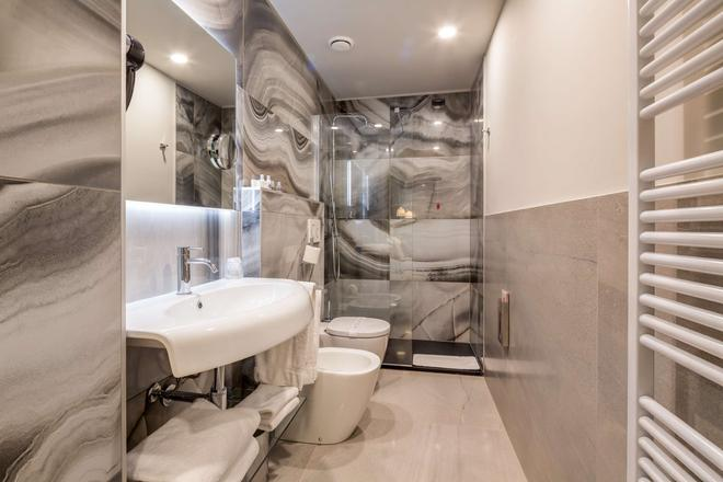 Best Western Plus Hotel Royal Superga - Cuneo - Bathroom