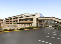 Baymont by Wyndham Seattle/Kirkland WA - Kirkland - Building