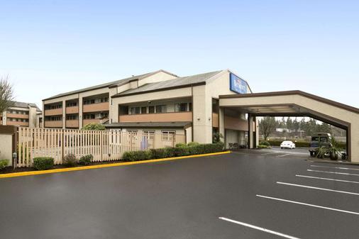 Baymont by Wyndham Seattle/Kirkland WA - Kirkland - Gebäude