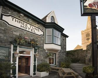 Three Tuns - Helston - Edificio