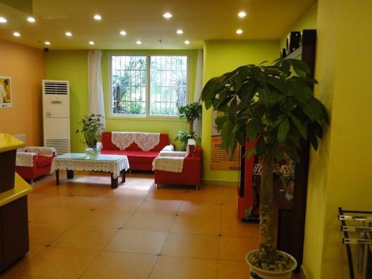 Home Inn Guangzhou Shangxiajiu Changshou Road Metro Station - Canton - Lobby