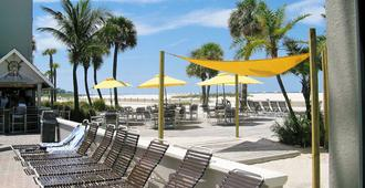 Thunderbird Beach Resort - Treasure Island - Patio