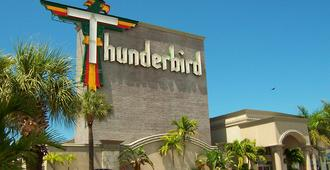 Thunderbird Beach Resort - Treasure Island - Building