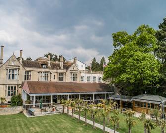 Westone Manor Hotel - Northampton - Building