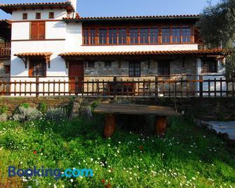Guesthouse Apanemia - Afissos - Building