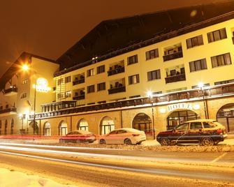 Hotel Carmen - Predeal - Gebäude