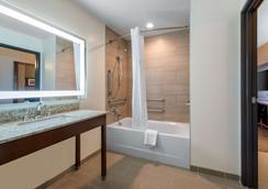 Comfort Suites Denver Intl Airport - Denver - Bedroom