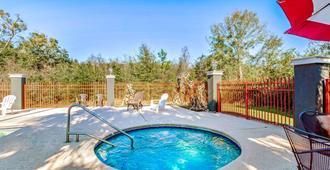 La Quinta Inn & Suites by Wyndham Mobile - Tillman's Corner - Mobile - Pool