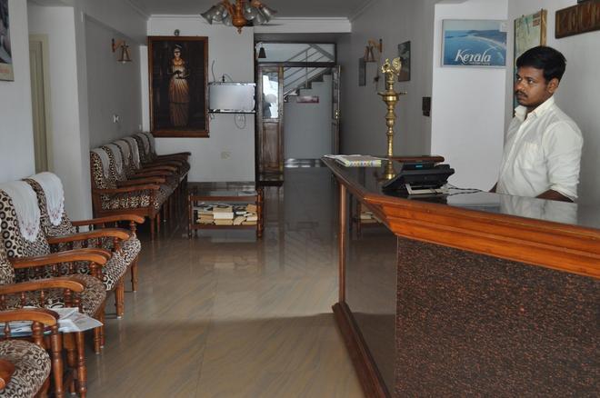 Hotel Marine Palace - Kovalam - Front desk