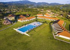 Bella Terra Laguna Azul Resort & Spa - Sauce - Pool