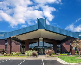 Comfort Inn - Hall of Fame - Canton - Building