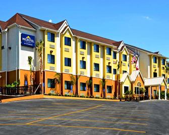Microtel Inn & Suites by Wyndham New Braunfels - New Braunfels - Gebäude