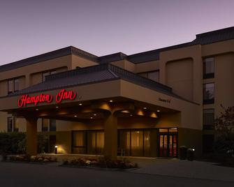 Hampton Inn Portland-Airport - South Portland - Building