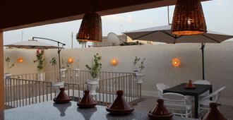 Corner Hostel Marrakech - Adults Only - Marrakesh - Balcone