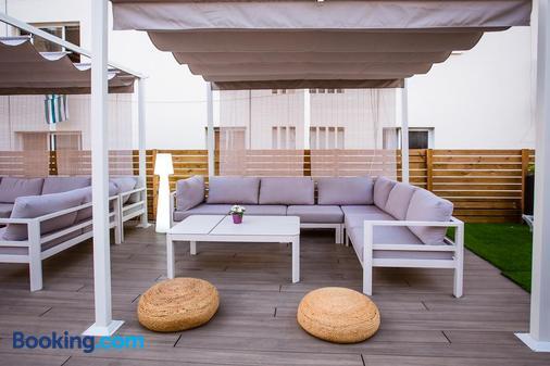 We Hostel Palma - Albergue Juvenil - Palma de Mallorca - Balcony