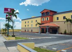 Fiesta Inn Colima - Colima - Edificio