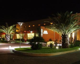 Hotel Cecere - Mottola - Building