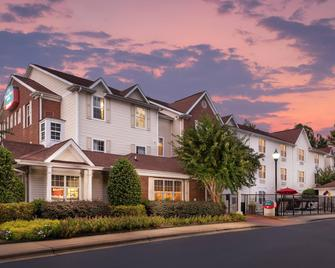 TownePlace Suites by Marriott Charlotte Arrowood - Charlotte - Building