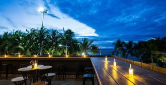 Nonze Hostel - Pattaya - Balcón