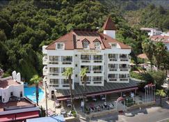 Hotel Chateau de Ville - Icmeler - Rakennus