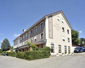 Hotel Häußler - Langenbruck - Gebäude