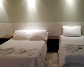 Hotel El Salvador - Núcleo Bandeirante - Schlafzimmer