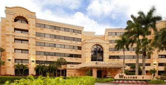 DoubleTree by Hilton West Palm Beach Airport - Bãi biển West Palm