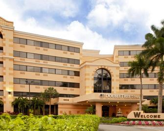DoubleTree by Hilton West Palm Beach Airport - West Palm Beach - Building
