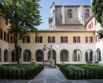 Hôtel & Spa Jules César Arles - MGallery - Arles - Building