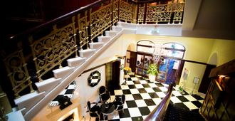 The Atlantic Hotel - Newquay - Escaleras