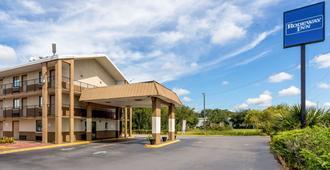 Rodeway Inn Fairgrounds-Casino - Tampa - Gebäude