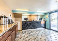 Rodeway Inn Fairgrounds-Casino - Tampa - Lobby