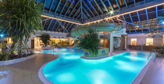 Ifa Rügen Hotel & Ferienpark - Binz - Havuz