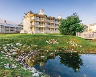 Holiday Inn Club Vacations Oak n' Spruce Resort - Lee - Gebäude