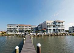 Fairfield Inn and Suites by Marriott Chincoteague Island Waterfront - Chincoteague - Building