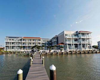 Fairfield Inn and Suites by Marriott Chincoteague Island Waterfront - Chincoteague - Gebäude