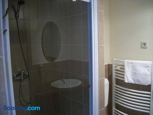 Hotel Viktória Vendégház - Balatonalmádi - Bathroom