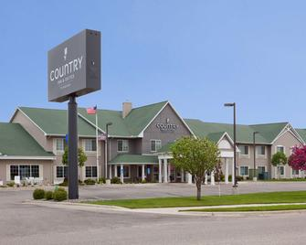 Country Inn & Suites by Radisson, Willmar, MN - Willmar - Building