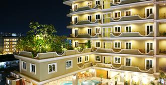 Lk Royal Suite Pattaya - Pattaya - Building