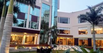 Country Inn & Suites By Radisson Jammu - Jammu