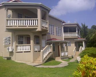 Bayside Villa St. Lucia - Castries - Building